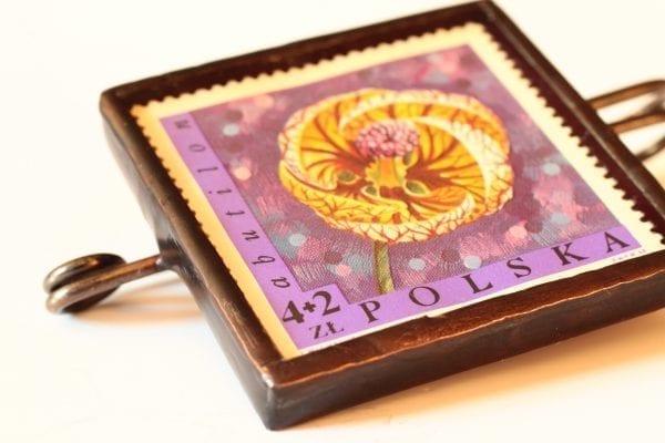 Dzikie Twory broszka ze znaczkiem pocztowym zaślaz