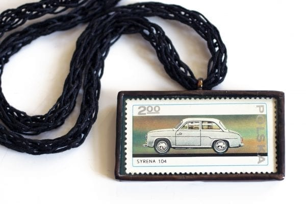 Dzikie Twory naszyjnik ze znaczkiem pocztowym z 1976 roku - Syrena 104