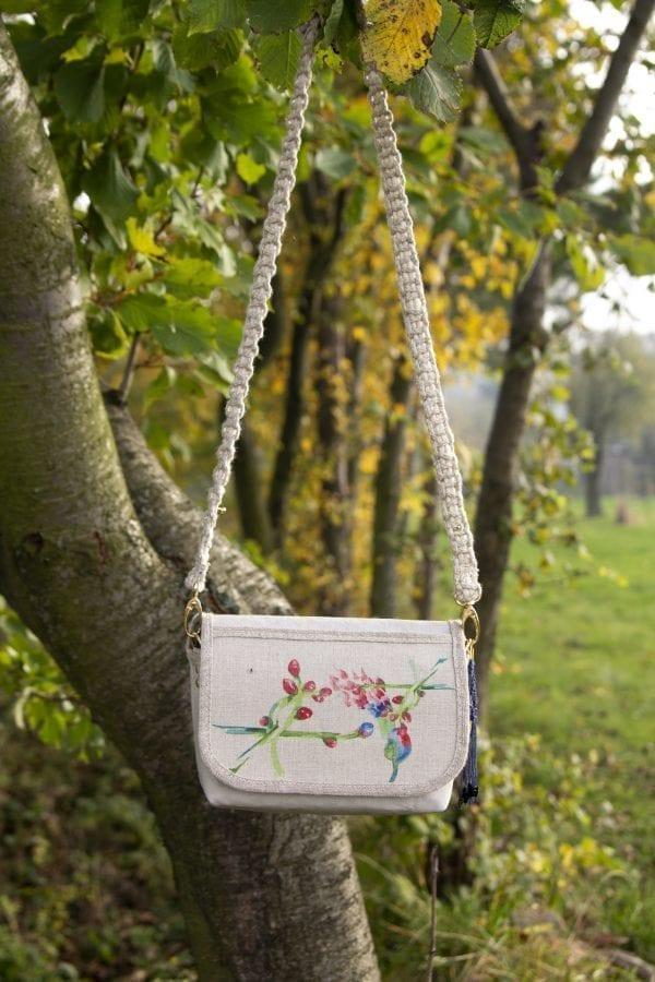 Dzikie Twory - mała torebka z lnu i jasnoszarej Washpapy - paw wśród gałęzi5