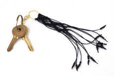 Dzikie Twory - makramowa zawieszka do kluczy lub torebki, kolor czarny
