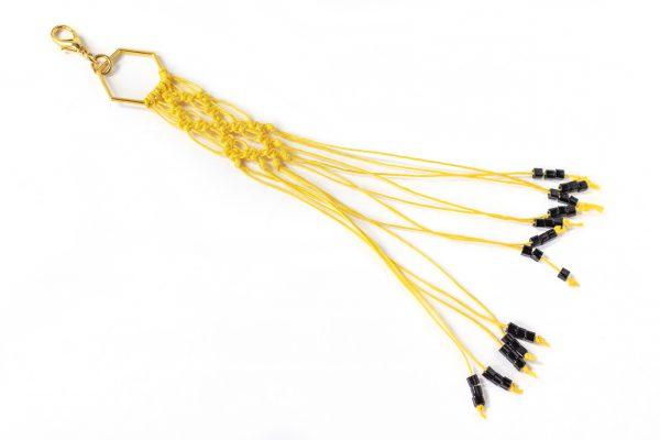 Dzikie Twory - makramowa zawieszka do kluczy lub torebki, w kolorze żóltym