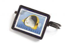 Dzikie Twory - broszka ze znaczkiem pocztowym z 1967 roku, ryba ustnik ciemnopręgi